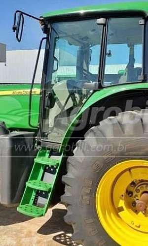 Alugar trator agrícola