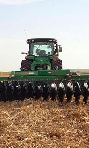 Grade para trator agrícola